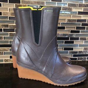 NWT Tretorn brown wedge fancy rain boots